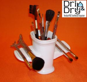 Makeup Brush Holder - Drip & Dry Brush Holder